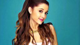 Ariana Grande chiede aiuto per giocare online a Mario Kart 8