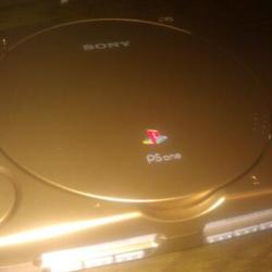 Sony regala una PS One dorata a Notch