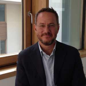 Geoffrey Davis_new profile_Sept 2014 (1)