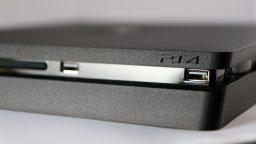PS4 Slim in vendita negli Emirati Arabi