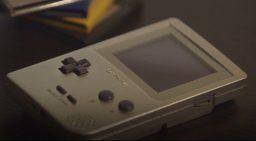 Al CES 2018 spunta un clone del Game Boy