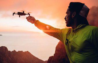 Parrot ANAFI, il nuovo drone con fotocamera 4K HDR dal peso ridotto