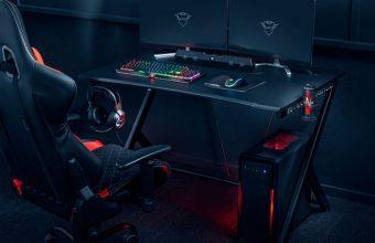 Giocate alla grande con la scrivania GXT711 Dominus di Trust Gaming